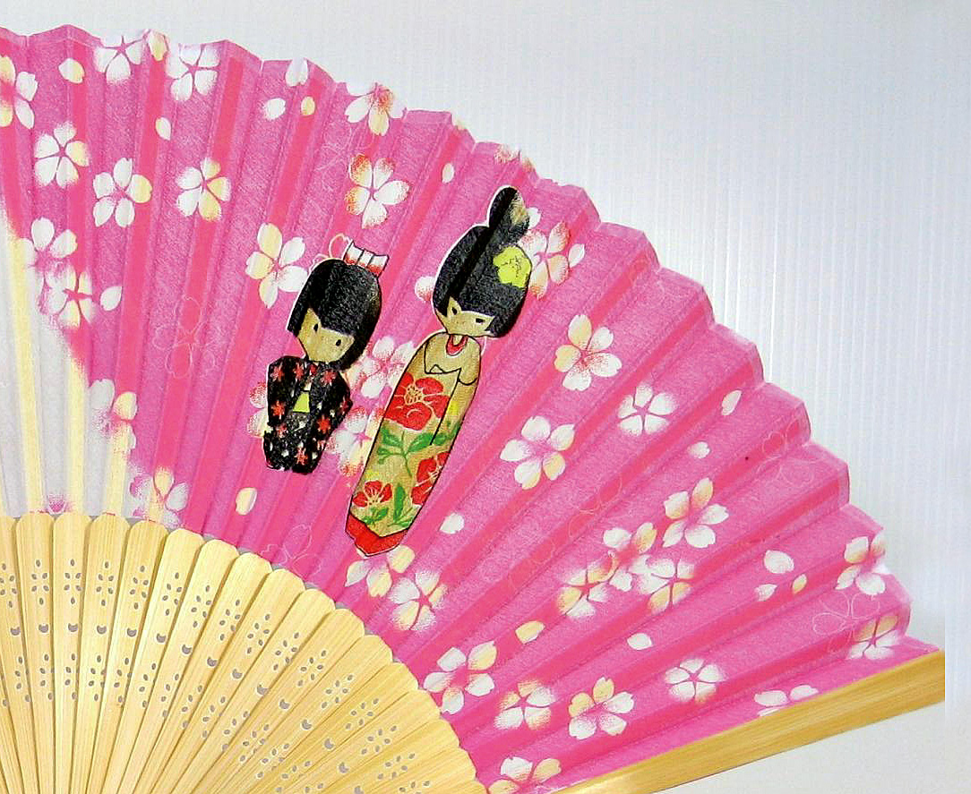 silk fan | Kokeshi, Japanese Doll